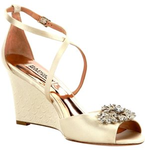 Badgley Mischka Satin Ivory Formal