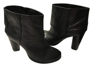 Modern Vintage Leather Pull Rounded Toe Black Boots