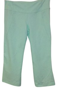 41a3ad31aff0b8 Green Lululemon Active Crops - Up to 90% off at Tradesy