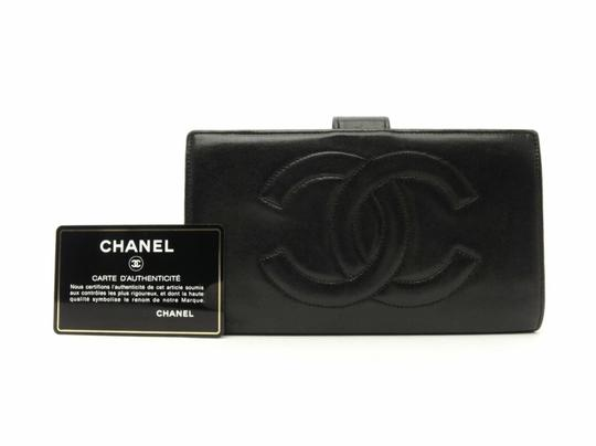 Preload https://img-static.tradesy.com/item/20425173/chanel-black-long-cc-leather-wallet-0-3-540-540.jpg
