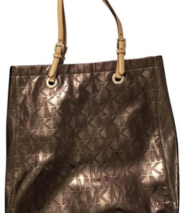 Michael Kors Tote in Metallic Tan