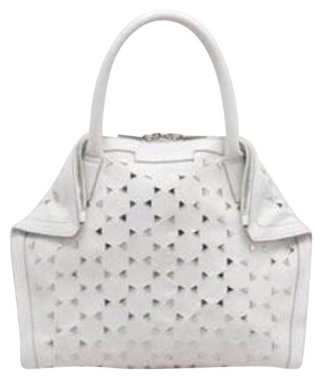Preload https://img-static.tradesy.com/item/20426476/alexander-mcqueen-tote-bag-white-leather-triangle-studded-de-manta-demanta-blackred-clutch-0-1-540-540.jpg
