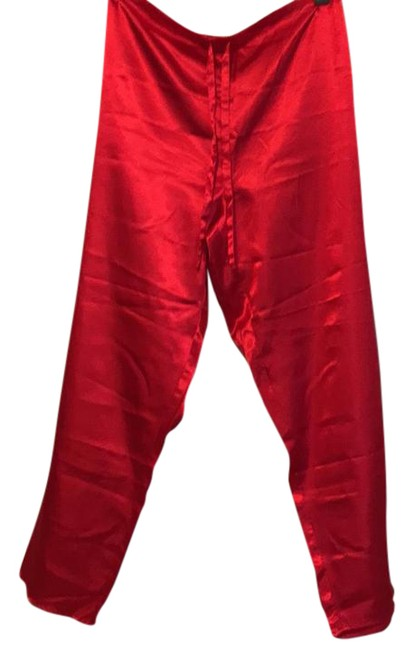 Item - Red Activewear Bottoms Size 8 (M)
