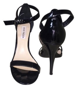 Steve Madden Stecy Strappy black Sandals