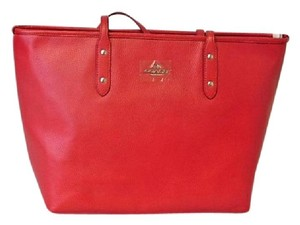 Coach Pebble Leather City Zip 37155m Tote in TRUE RED
