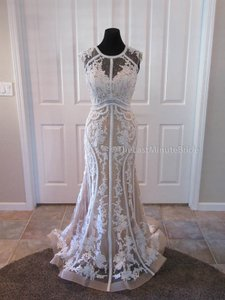 Jacquelin Exclusive Anne 19018 Wedding Dress