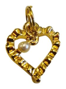 St. John ST JOHN KNITS ZIPPER PULL REPLACEMENT CHARM HEART WITH SMALL PEARL 22