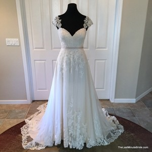 Essense Of Australia D1999 Wedding Dress