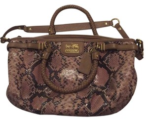 Coach Satchel in Snakeprint, Tan