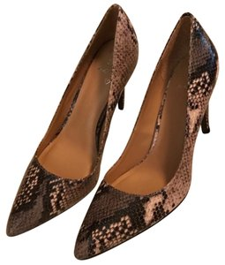 Banana Republic brown & black Pumps