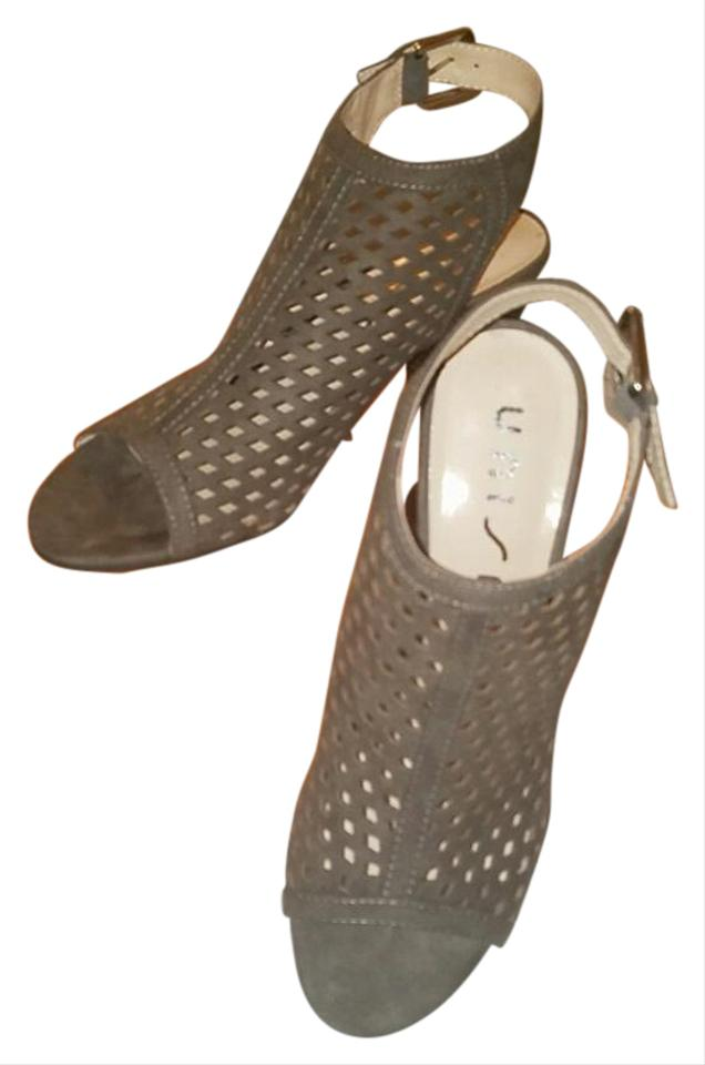 d4f267016 Unisa Taupe Gaila Sandals. Size  US 7.5 Regular (M ...