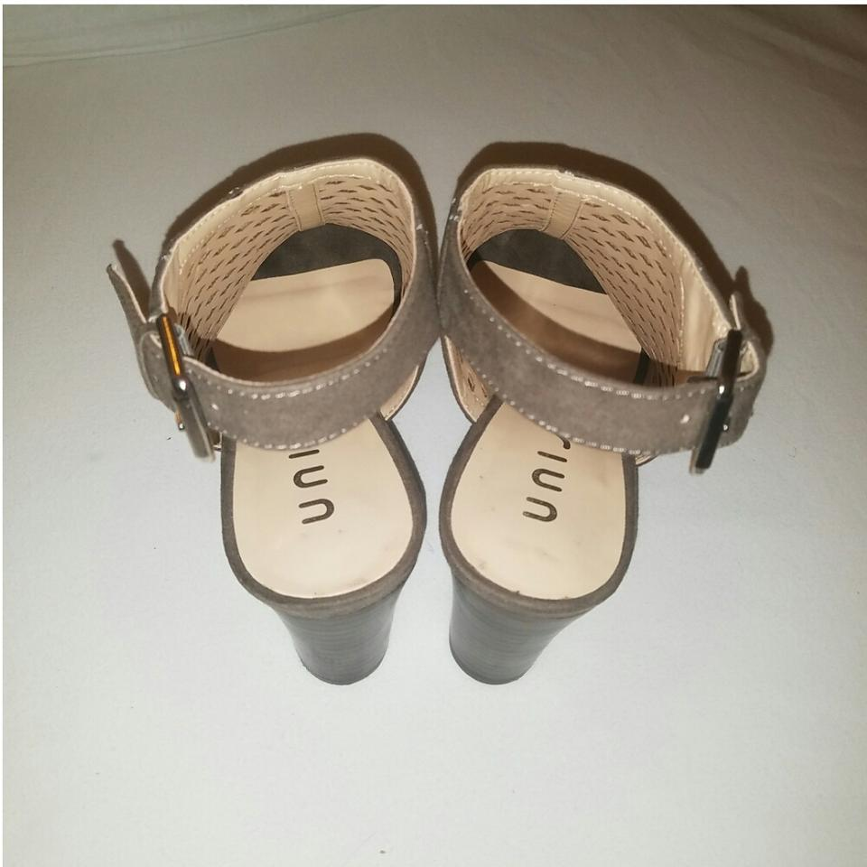 3520662be4a8 Unisa Taupe Gaila Sandals Size US 7.5 Regular (M