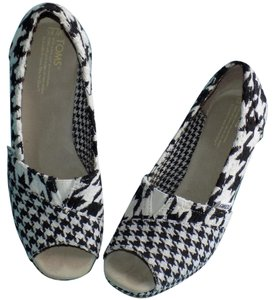 TOMS Signature Houndstooth Checkered Contrast Eclectic Black & White Platforms