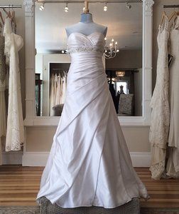 Essense Of Australia D1129 Wedding Dress