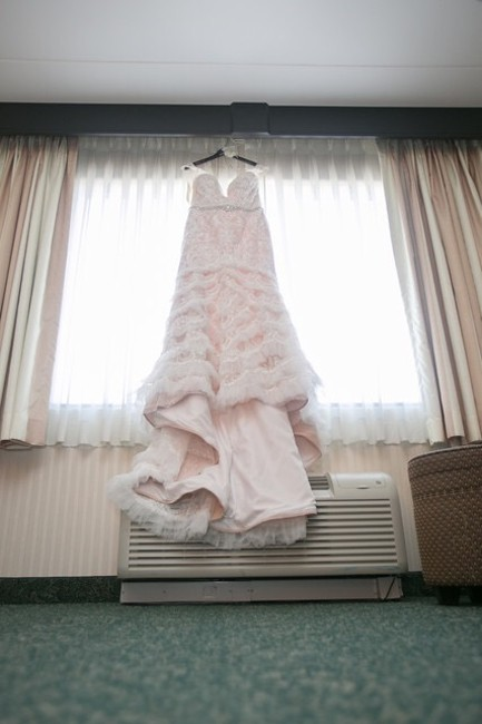 Item - Ivory and Nude Lace Swg689 Vintage Wedding Dress Size 12 (L)
