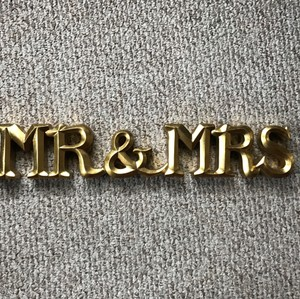 Gold Mr. & Mrs. Sign