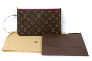 Louis Vuitton Neverfull Damier Canvas Wristlet