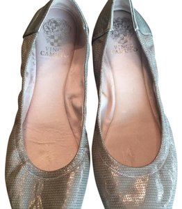 Vince Camuto grey Flats