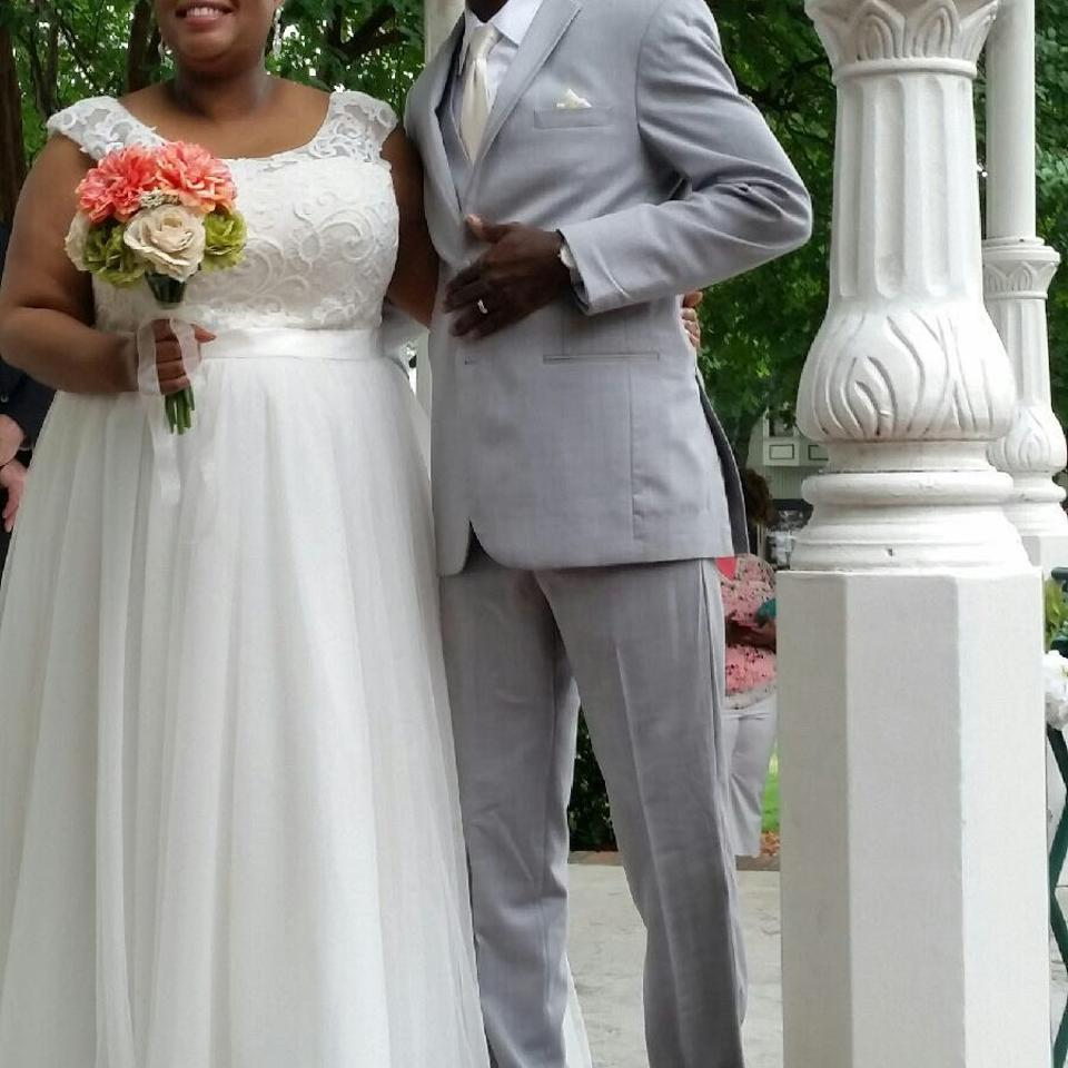 Davids Bridal Wedding Gown: David's Bridal Ivory Tulle With Lace Cap Sleeve Style