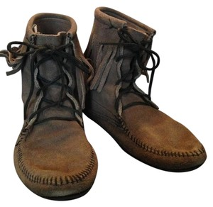 Minnetonka Suede Casual Boots