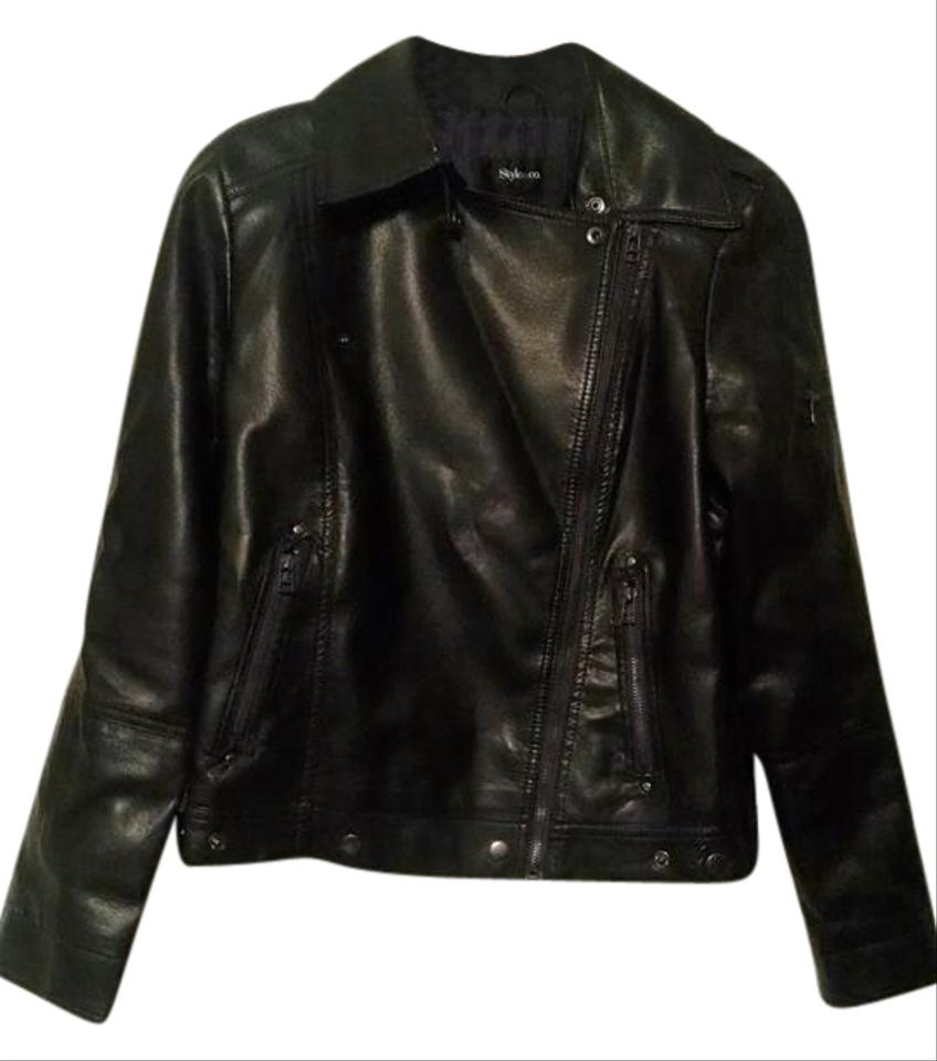 There's nothing like an iconic leather biker jacket to transform your daytime look for the new season. This premium, super-smooth jacket, with shiny silver-look hardware, is a true wardrobe hero whatever your style. Wear this with anything from dresses to jeans. The jacket is softly structured and sits beautifully at the front. Long sleeves Classic fitted shape % leather/5(15).