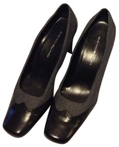 Bandolino Black and Grey Pumps