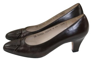 Salvatore Ferragamo Italy Italian Brown Pumps