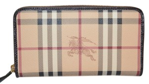 Burberry NWT BURBERRY WOMENS HAYMARKET LARGE ZIGGY ZIP AROUND WALLET