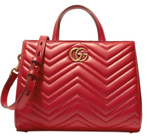 Gucci New Gg Marmont Matelasse Tote in Red