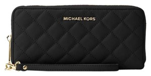 Michael Kors Michael Kors Jet Set Travel Quilted-Leather Wristlet Wallet Black