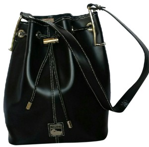 Dooney & Bourke & Leather Shoulder Bag