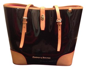 Dooney & Bourke Tote in Black and Tan