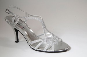 Touch of Nina Silver Glitter Sparkle Slingback Formal Size US 8.5 Regular (M, B)
