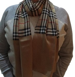 Burberry London authentic Burberry scarf