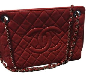 Chanel Discountinued Caviar Leather Shoulder Bag