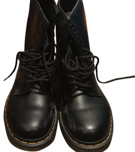 Dr. Martens Fall Winter Black Boots