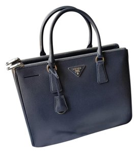 Prada Leather Saffiano Galleriabag Tote in blue