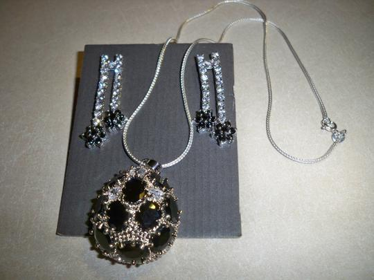 Silver Co. Stunning Onyx, Crystals Silver Necklace, Earrings Set
