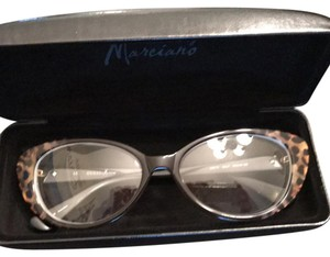 Guess By Marciano Guess Cat eye eyeglass frames