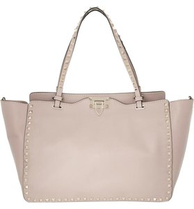Valentino Rockstud Smooth Leather Leather Tote in blush