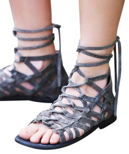 Free People Great Lengths Gladiator 37 Suede Grey Sandals