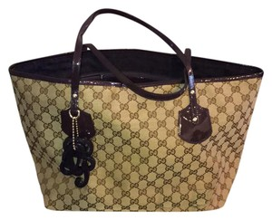 Gucci Canvas Large Tote in brown