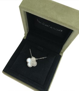 Van Cleef & Arpels Vintage Alhambra pendant, white gold, white mother of pearl.