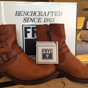 Frye Italian Leather Rugged Vintage Antique Metal Cognac Boots