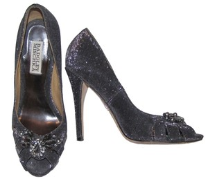 Badgley Mischka Metallic Pearls Rhinestones Embellished Dressy black/silver metallic Pumps
