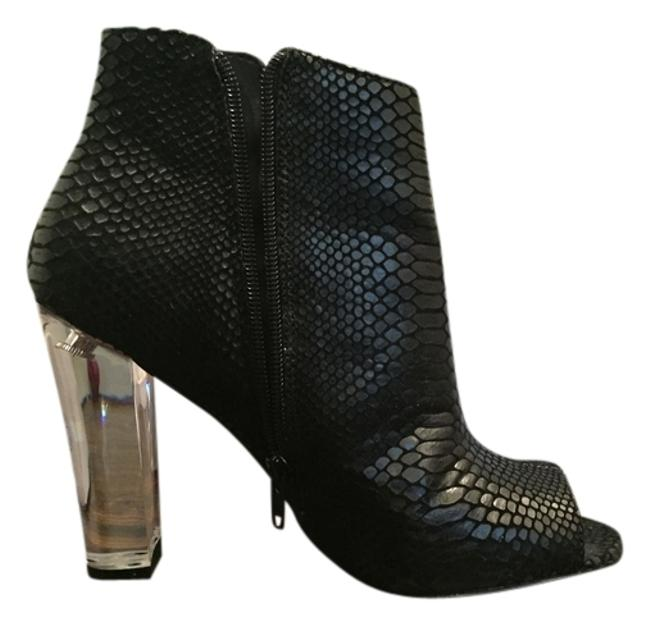 Item - Black and White Snake Print Boots/Booties Size US 7.5 Regular (M, B)