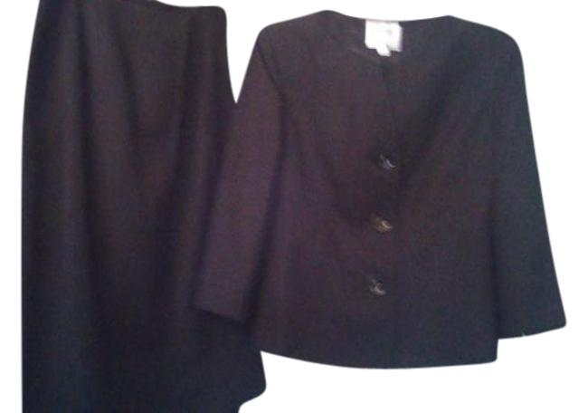 Item - Brown Classic Skirt Suit Size 6 (S)
