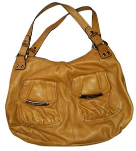 B. Makowsky Leather Casual Lots Of Pockets Hobo Bag