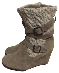 Steve Madden Cable Knit Gray Boots