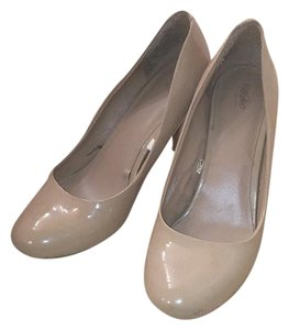Mossimo Supply Co. Nude, Beige, Tan Pumps